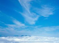 雲海と雲 23018055451| 写真素材・ストックフォト・画像・イラスト素材|アマナイメージズ