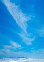 雲海と雲 23018055463| 写真素材・ストックフォト・画像・イラスト素材|アマナイメージズ