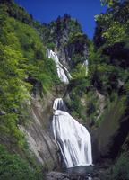 羽衣の滝 23018055476| 写真素材・ストックフォト・画像・イラスト素材|アマナイメージズ