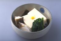 豆腐の蒸し物 23018057182| 写真素材・ストックフォト・画像・イラスト素材|アマナイメージズ