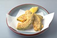 かぼちゃの天ぷら 23018057236| 写真素材・ストックフォト・画像・イラスト素材|アマナイメージズ