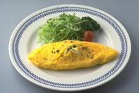 オムレツ(チーズ入り) 23018057360| 写真素材・ストックフォト・画像・イラスト素材|アマナイメージズ