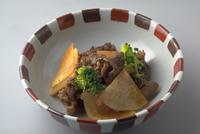 だいこんと牛肉の炒め煮 23018057421| 写真素材・ストックフォト・画像・イラスト素材|アマナイメージズ
