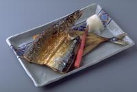 さんまの干物 23018057426| 写真素材・ストックフォト・画像・イラスト素材|アマナイメージズ