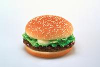ハンバーガー 23018057442| 写真素材・ストックフォト・画像・イラスト素材|アマナイメージズ