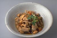 大豆と豚肉の煮物