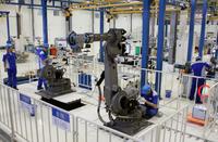 産業用ロボットを生産する安川電機の新工場