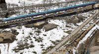 北海道新幹線の新函館北斗行き一番列車「はやぶさ」