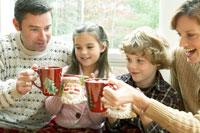 ホットチョコレートで温まる家族