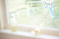 窓から見える遊具