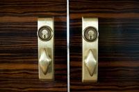 会議室のドアノブ 24025000999| 写真素材・ストックフォト・画像・イラスト素材|アマナイメージズ