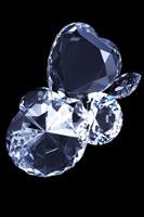 重なり合うダイヤモンド