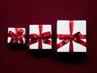 大中小のギフトボックス 24035000140  写真素材・ストックフォト・画像・イラスト素材 アマナイメージズ