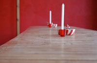 テーブルに置かれたキャンドル