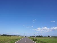 道と空 25008005317| 写真素材・ストックフォト・画像・イラスト素材|アマナイメージズ