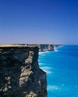 断崖と海 ナラボー平原 25011003697| 写真素材・ストックフォト・画像・イラスト素材|アマナイメージズ