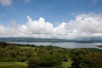 アレナル湖 25023068424| 写真素材・ストックフォト・画像・イラスト素材|アマナイメージズ