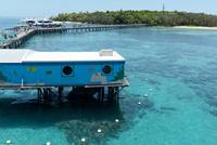 グリーン島 船着き場 25023074371| 写真素材・ストックフォト・画像・イラスト素材|アマナイメージズ