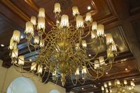 マニラホテル シャンデリア 25023074786| 写真素材・ストックフォト・画像・イラスト素材|アマナイメージズ