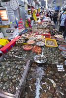チャガルチ市場 25023074865| 写真素材・ストックフォト・画像・イラスト素材|アマナイメージズ