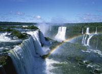 イグアスの滝と虹
