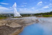 ゲイシールの温泉の泉とストロックル間欠泉
