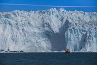 エキップ氷河クルーズ 25041036013  写真素材・ストックフォト・画像・イラスト素材 アマナイメージズ