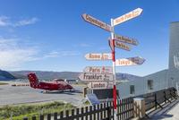 カンゲルルススアーク空港の標識