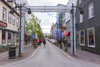 レイキャヴィークのメインストリート 25041036104| 写真素材・ストックフォト・画像・イラスト素材|アマナイメージズ