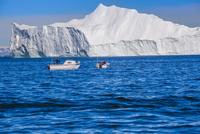 エキップ氷河クルーズ 25041036136  写真素材・ストックフォト・画像・イラスト素材 アマナイメージズ