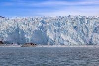 エキップ氷河クルーズ 25041036142  写真素材・ストックフォト・画像・イラスト素材 アマナイメージズ