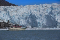 エキップ氷河クルーズ 25041036144  写真素材・ストックフォト・画像・イラスト素材 アマナイメージズ