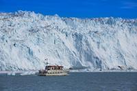 エキップ氷河クルーズ 25041036145  写真素材・ストックフォト・画像・イラスト素材 アマナイメージズ