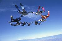 スカイダイビング 25042000295| 写真素材・ストックフォト・画像・イラスト素材|アマナイメージズ