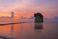 見附島と朝日