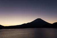 富士山夜明け前