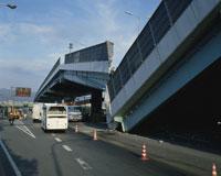関西大震災で崩れた阪神高速 25075006645| 写真素材・ストックフォト・画像・イラスト素材|アマナイメージズ