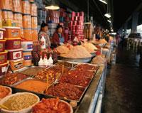 哥楽洞市場に並ぶキムチ