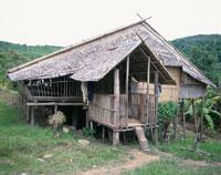 ルングス族のロングハウス マレーシア