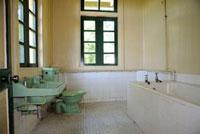 アグネス・キースの家のバスルーム