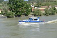 バァッハウ渓谷のドナウ川警備船
