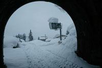2005年新潟豪雪 雪に埋もれた旧山古志村