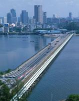 ジョホール水道と国境橋