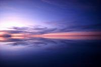 ウユニ塩湖のシンメトリー世界、残照