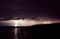 ティティカカ湖に落下する雷 25196002518| 写真素材・ストックフォト・画像・イラスト素材|アマナイメージズ