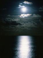 月光と海 4月 オルベリ島  モルディブ共和国