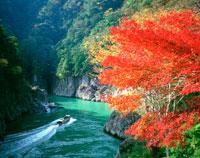 秋の瀞峡 25222010006  写真素材・ストックフォト・画像・イラスト素材 アマナイメージズ