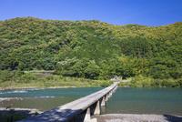 四万十川の半家沈下橋 25222015170  写真素材・ストックフォト・画像・イラスト素材 アマナイメージズ