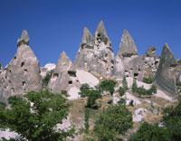 奇岩群と洞窟の家