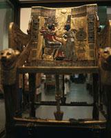 ツタンカーメンの黄金の椅子 カイロ エジプト